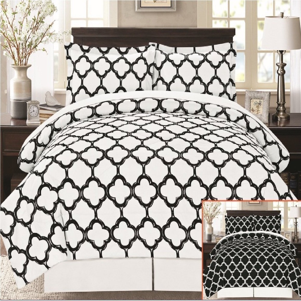 Super Soft 8 Piece Fretwork Geometric Bed in a Bag (Queen...