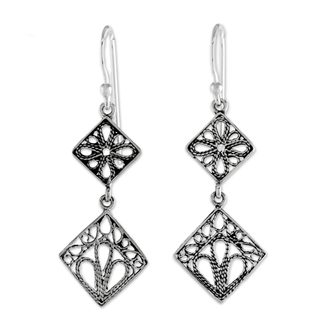 Handmade Sterling Silver 'Wind in the Trees' Filigree Earrings (Thailand)