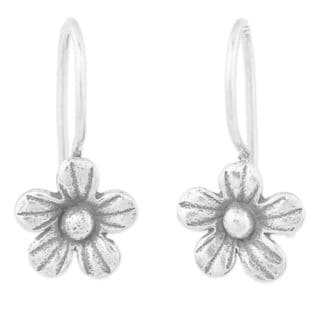 Handcrafted Sterling Silver 'Daisy Bloom' Earrings (Thailand)