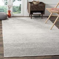 Safavieh Hand-Woven Montauk Flatweave Light Grey/ Ivory Cotton Rug - 6' x 9'