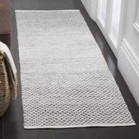 Safavieh Montauk Handmade Flatweave Light Grey/ Ivory Cotton Runner Rug - 2' 3 x 7'