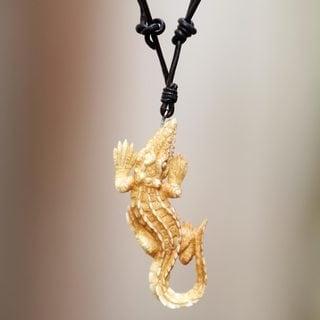 Handcrafted Bone Leather 'Alligator' Necklace (Indonesia)
