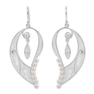 Handmade Sterling Silver 'Cherubic Wings' Filigree Earrings (Peru)