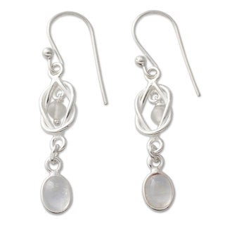 Handcrafted Sterling Silver 'Moonlight Knot' Rainbow Moonstone Earrings (India)