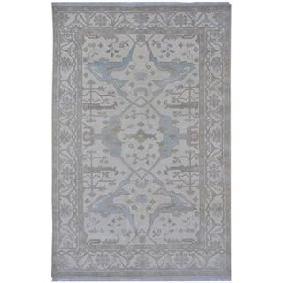 Handmade One-of-a-Kind Oushak Wool Rug (India) - 6' x 9'2