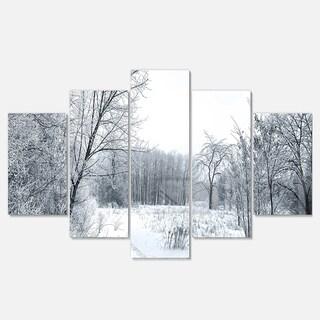 Designart 'Beautiful Winter Panorama' Landscape Artwork Glossy Metal Wall Art