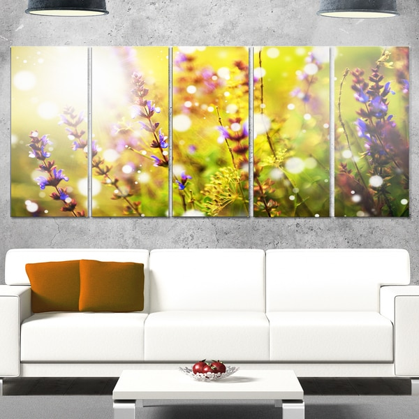 Designart 'Beautiful Purple Wild Flowers' Large Flower Metal Wall Art