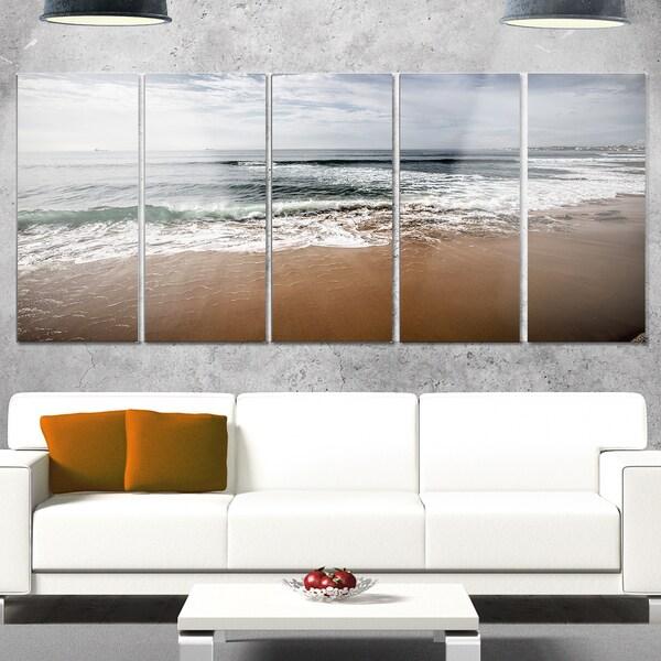 Designart 'Soft Waves of Sea on Sandy Beach' Modern Seashore Metal Wall Art