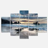 Designart 'Beautiful Porthcothan Bay' Modern Seashore Metal Wall Art