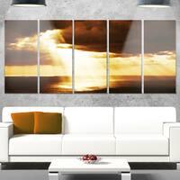 Designart 'Dramatic Sunset with Sunrays' Landscape Artwork Glossy Metal Wall Art