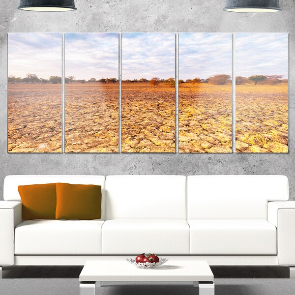 Designart 'Amazing View of African Landscape' Landscape Artwork Glossy Metal Wall Art