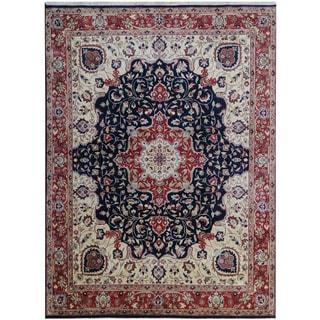 Herat Oriental Indo Hand-knotted Tribal Serapi Wool Rug (7'10 x 10'3)