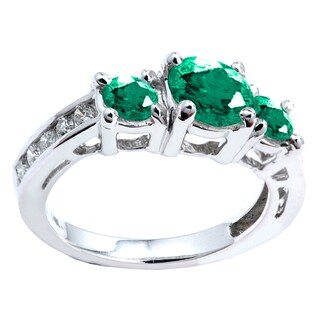 14k White Gold 2 1/2 ct Round Green Emerald and White Diamond Engagement Ring (H-I, I1-I2)