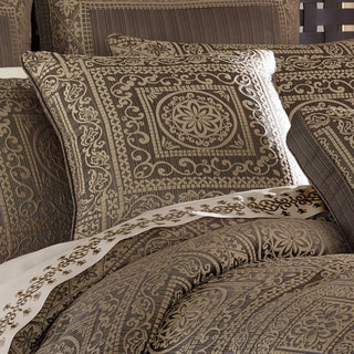 Five Queens Court Warwick Pink/Brown Damask Pattern 18-inch x 18-inch Square Deocrative Throw Pillow