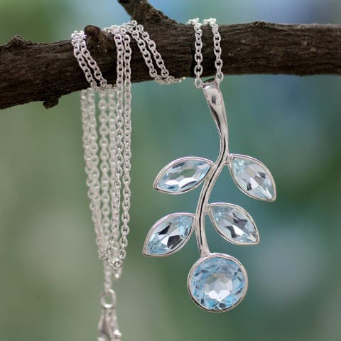Handmade Sterling Silver 'Azure Leaves' Blue Topaz Necklace (India)