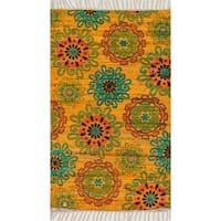 "Flatweave Maria Yellow/ Orange Retro Floral Rug - 1'8"" x 3'"