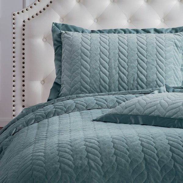Velvet Quilt Set Leaves Weave Pattern with Shams by Bedsure