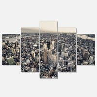 Designart 'Architecture and Colors of New York' Modern Cityscape Glossy Metal Wall Artwork