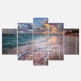 Designart 'Palm Trees on Clear Sandy Beach' Seashore Metal Wall Art on