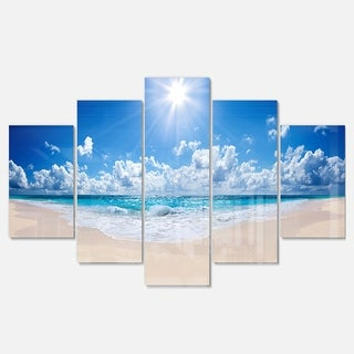 Designart 'Beautiful Tropical Beach Panorama' Modern Seashore Glossy Metal Wall Art