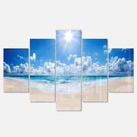 Designart 'Beautiful Tropical Beach Panorama' Modern Seashore Glossy Metal Wall Art