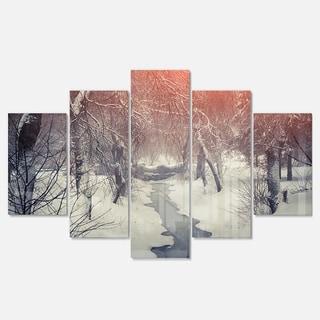 Designart 'Beautiful Snowfall in City Park' Landscape Artwork Glossy Metal Wall Art