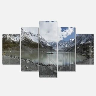 Designart 'New Zealand Mountains Panorama' Large Landscape Glossy Metal Wall Art