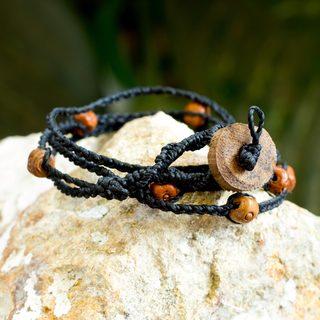 Handcrafted Conacaste Wood Ceramic 'Zen' Bracelet (Guatemala)