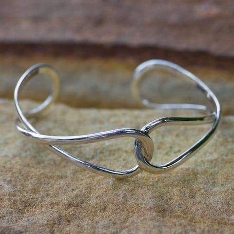 "Handmade Sterling Silver 'Lives Entwined' Bracelet (Thailand) - 7'6"" x 9'6"""