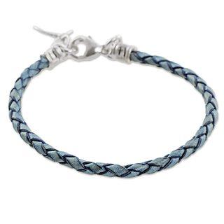 Handmade Silver Leather 'Walk of Life in Blue' Bracelet (Guatemala)