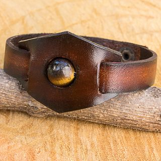 Handcrafted Leather 'Earthy Essence' Tiger's Eye Bracelet (Thailand)