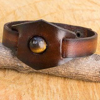 Handmade Leather 'Earthy Essence' Tiger's Eye Bracelet (Thailand)