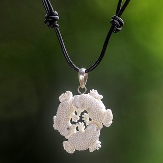 Handcrafted Leather Bone 'Frog Circle' Necklace (Indonesia)