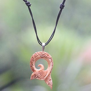 Handmade Bone Leather 'Tail of the Whale' Necklace (Indonesia)