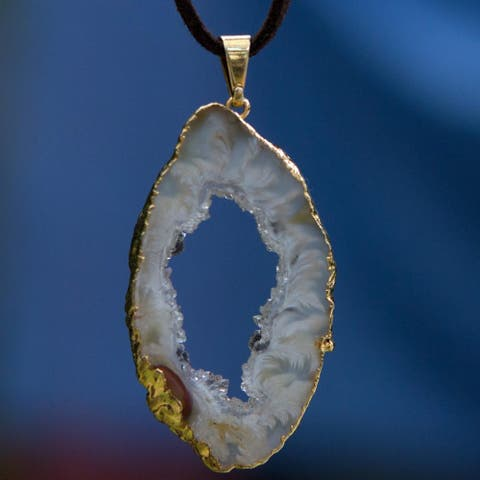 Handmade Gold Overlay Copper 'Magnificent Nature' Agate Necklace (Brazil)