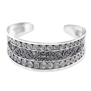 Handcrafted Sterling Silver 'Gianyar Fascination' Bracelet (Indonesia)
