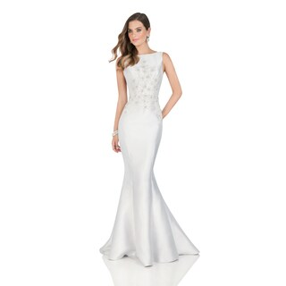 Terani Couture Silver Sleeveless Low-back Evening Dress
