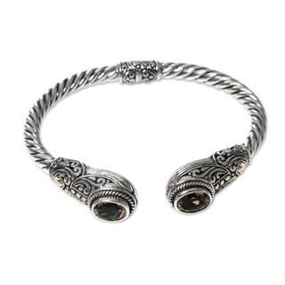 Handcrafted Gold Accent 'Empress of Gelgel' Citrine Bracelet (Indonesia)