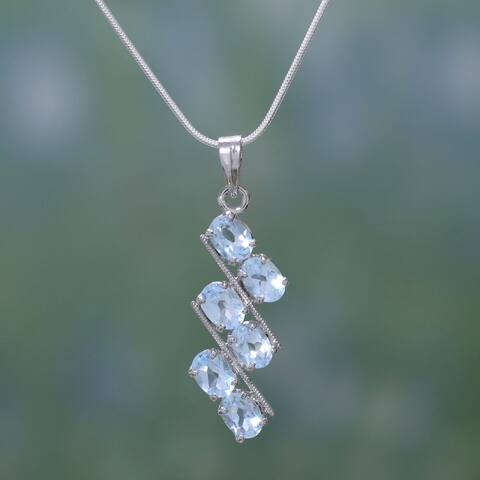 Handmade Sterling Silver 'Sky Fire' Blue Topaz Necklace (India)