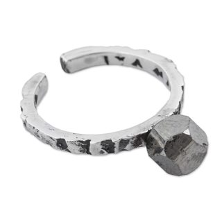 Handmade Sterling Silver 'Passage of Time' Pyrite Mid Finger Ring (Peru)