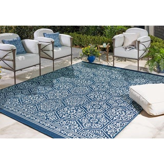 Mohawk Oasis Nauset Indoor/Outdoor Area Rug (8' x 10') - 8' x 10'