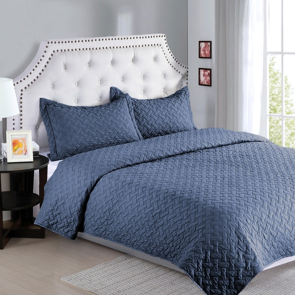 Solid Textured Basket Weave Pattern Quilt and Sham Set by Bedsure Designs