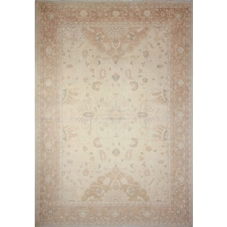 Faded Peshawar Azam Ivory/ Light Brown Area Rug (10'1 x 14')