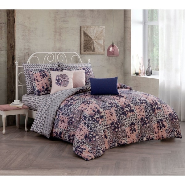 Avondale Manor Phoebe 10-piece Bed in a Bag with Sheet Set