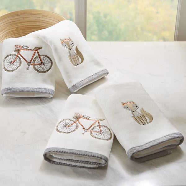 HipStyle Afternoon Ride White Embroidered Cotton Hand Towel (set of 4)