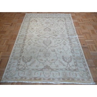 Hand Knotted Ivory Peshawar Ivory Hand-spun Wool Oriental Rug (4'2 x 6'2)