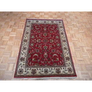 Agra Burgundy Hand-knotted Wool Oriental Rug (4' x 6')