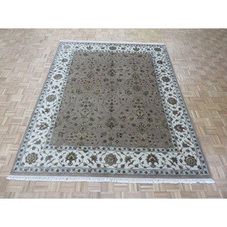 Lavender Wool and Silk Oriental Agra Handknotted Rug (8'1 x 10'2)