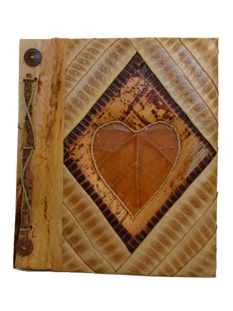 Phaze 8 Trading Handmade Pea Pod Heart Photo Album (Indon...