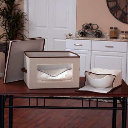Serving Piece Vision China Storage Box Chest with Quilted Pouches